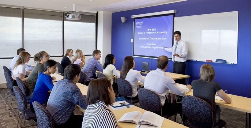 Как выбрать языковую школу и в чём её польза