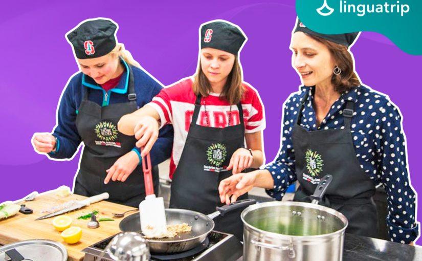Учим язык через кулинарию, моду и путешествия: подборка необычных языковых школ